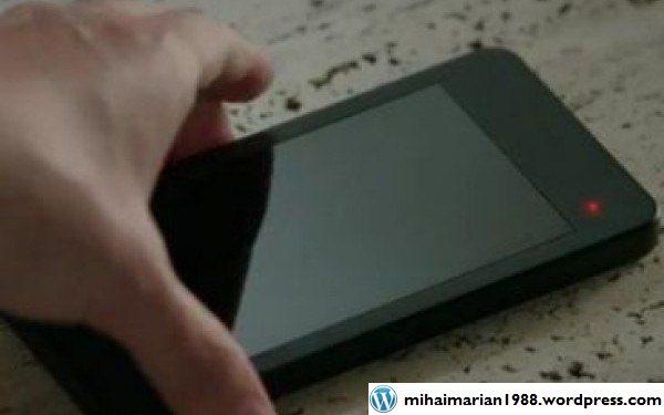Cum arata noul BlackBerry Z10. Smartphone-ul va avea doua variante diferite