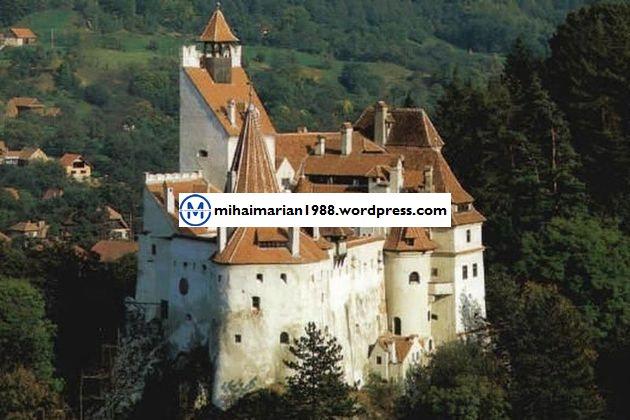 Castelul Bran, printre cele mai înfricoşătoare 10 destinaţii de HALLOWEEN
